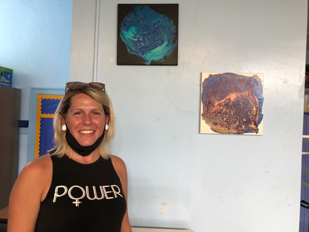Peabody parent Melissa Wilbanks created original art for the lounge!
